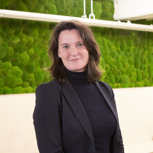 Read more about Annette van der Putten